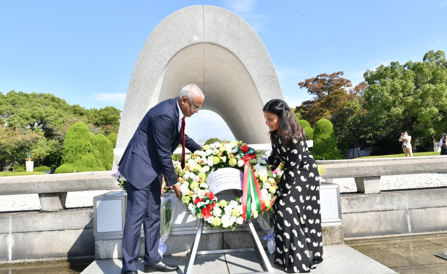President meets Mayor of Hiroshima and visits Peace Memorial Museum